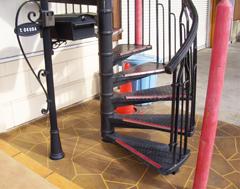 滑り止めを設置した階段